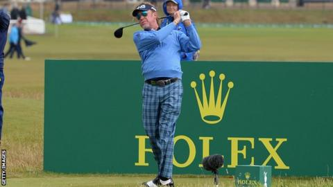 102735008 gettyimages 1006712496 - Senior Open: Miguel Angel Jimenez holds two-shot lead at St Andrews