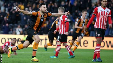 Robert Snograss celebrates with Hull City