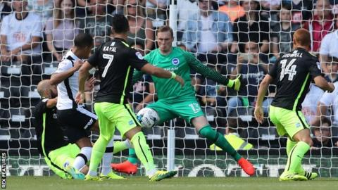David Stockdale saves from Tom Ince