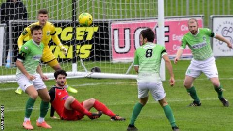 Guernsey FC v Phoenix Sports