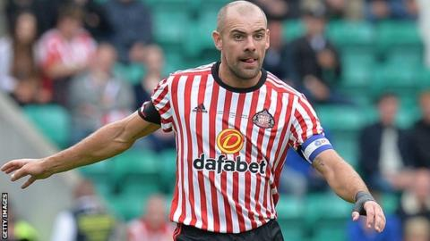 Gibson suspended by Sunderland over drink driving charge