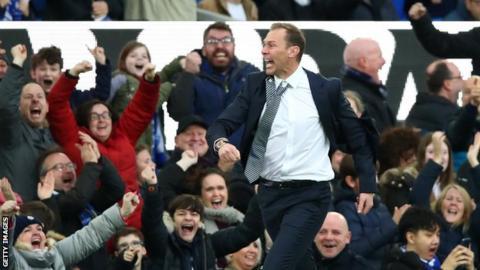 Duncan Ferguson celebrates