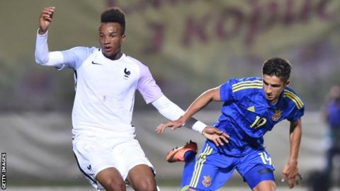 Maryan Shved playing for Ukraine Under-21s against France
