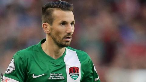 Liam Miller playing for Cork City