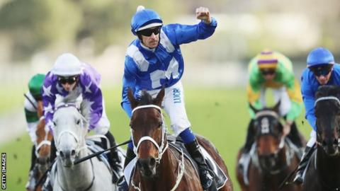Winx breaks Black Caviar win streak