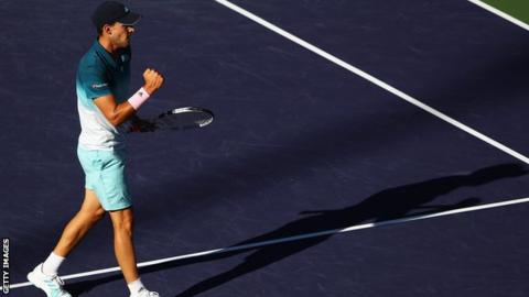 Federer denied by Thiem of sixth Indian Wells title