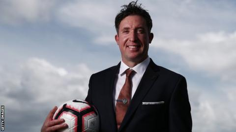 Robbie Fowler: Brisbane Roar name former Liverpool striker as new boss
