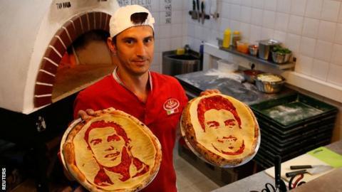 Valery Maksimchik's pizza art