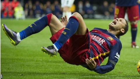 Neymar received a kick from Real's Isca in El Classico on 21 November