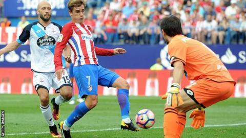 Antoine Griezmann scores against Deportivo La Coruna