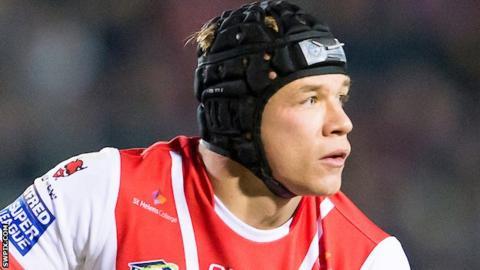 Jonny Lomax looks to pass the ball