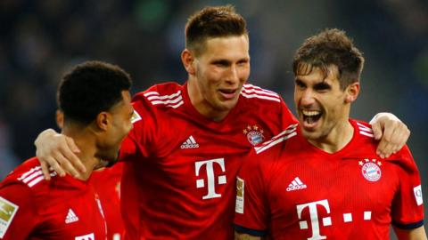 Javi Martinez celebrates scoring against Borussia Moenchengladbach