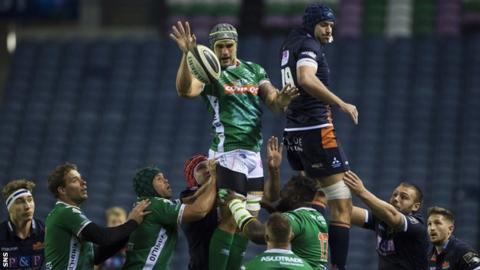 A lineout during Edinburgh's win over Benetton