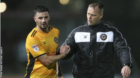 Newport striker Padraig Amond and manager Mike Flynn