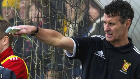 Steve Paterson in the dugout during his time at Formartine United