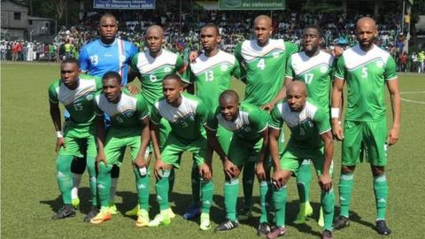 Comoros team poses for a photo before the game against Mauritius