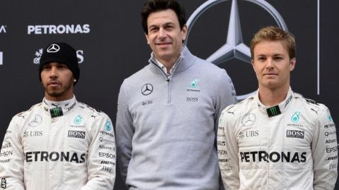Toto Wolff poses with Lewis Hamilton and Nico Rosberg