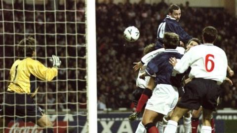 Don Hutchison goal at Wembley, 1999