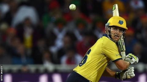 Batsman Sam Hain in action for Warwickshire