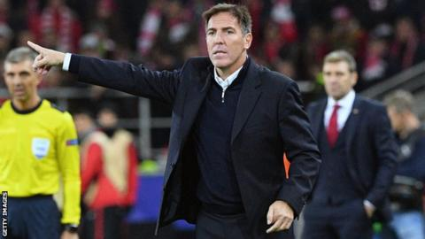 Eduardo Berizzo directs his Sevilla players during a match against Spartak Moscow