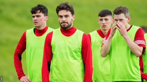 Hamilton Accies hopes with returning players rather than January signings