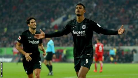 Sebastian Haller celebrates scoring for Eintracht Frankfurt
