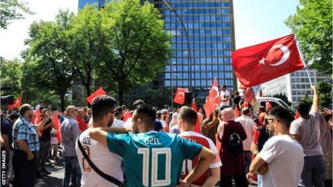 Eintracht Frankfurt chief Bobic slams Ozil as 'coward' and 'calculating'