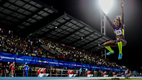 TOPSHOT - Colombia's Caterine Ibarguen competes in the women's long jump competition during the 2018 Central American and Caribbean Games (CAC) in Barranquilla, Colombia, on July 30, 2018. (Photo by Luis ACOSTA / AFP) (Photo credit should read LUIS ACOSTA/AFP/Getty Images)
