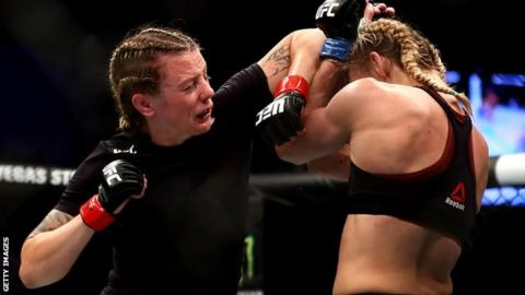 Joanne Calderwood, left, edged Andrea Lee on points in her last bout