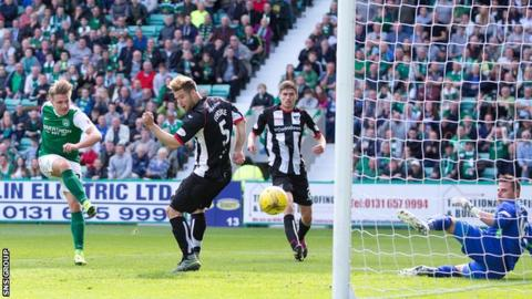 Jason Cummings smashes in the winning goal for Hibernian at a busy Easter Road
