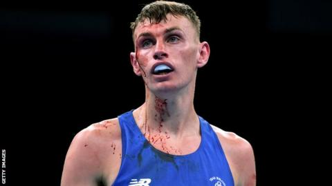 Sean McComb is through to the last 16 of the World Boxing Championships in Doha