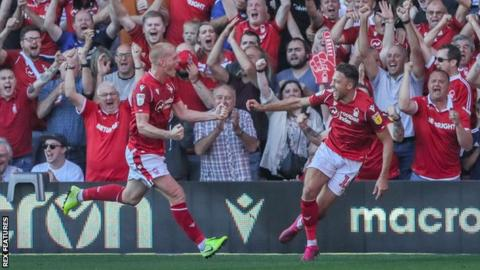Championship Nottingham Forest 1 0 Barnsley Watson Hits Winner