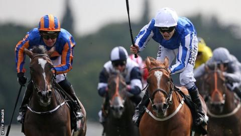 Jamie Spencer (right) drives home Queen Kindly