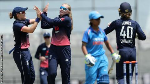 England eves beat India by 8 wickets to level ODI series