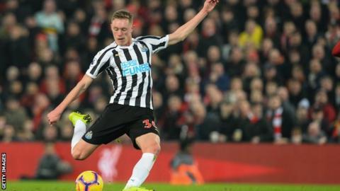 Newcastle midfielder Sean Longstaff