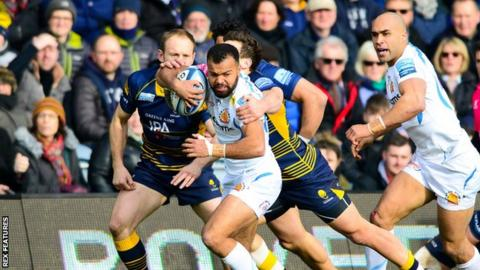 Tom O'Flaherty makes a run for Exeter