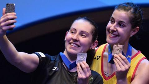 Kirsty Gilmour with European champion Carolina Marin on the podium after their 2016 European Championships