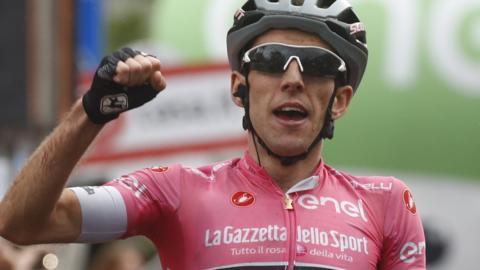 Simon Yates wins stage 15 of the Giro d'Italia