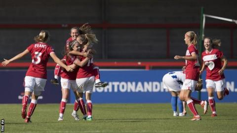 Lucy Graham (number 14)