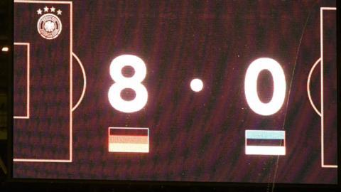 Scoreboard showing 8-0