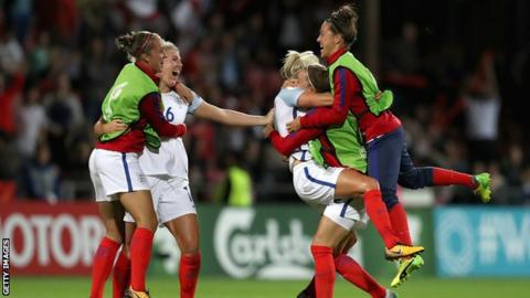 England celebrate reaching the Euro 2017 semi-finals after beating France