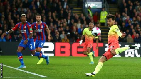 Crystal Palace 0-2 Manchester City: Champions reduce gap to Liverpool with comfortable win