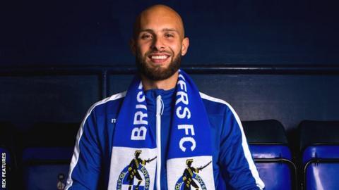 New Bristol Rovers goalkeeper Jordi van Stappershoef