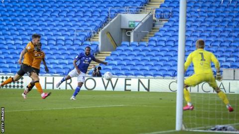 Junior Hoilett angles shot across goal