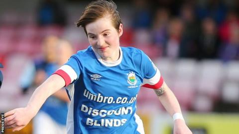 Women's Premiership: Swifts fight back to draw with Blues and stay on top