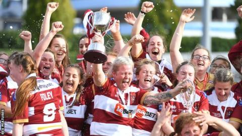 Wigan celebrate winning the 2018 Women's Super League