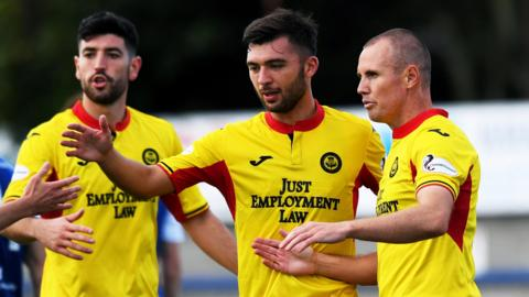 Partick Thistle travel to Stenhousemuir in the last eight