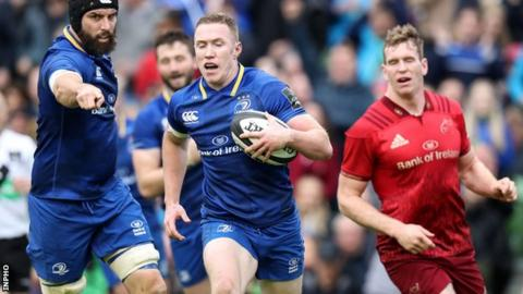 Rory O'Loughlin runs in his second Leinster try at the Aviva Stadium