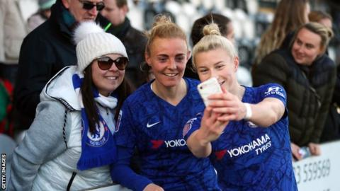 Chelsea's Sophie Ingle and Beth England pose for a photo