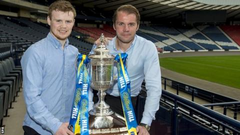 Charlie Flynn and Robbie Neilson with the Scottish Cup